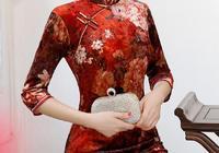 女人過了30歲,儘量不要穿連衣裙了,還是旗袍裙顯得優雅秀氣
