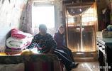 河南7旬農村大媽住50米深的溝底不願上來,稱比城裡的養老院好