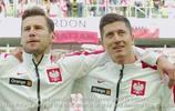 歐洲最美球迷!波蘭足球場邊的萊萬多夫斯基!傲人上圍呼之欲出!