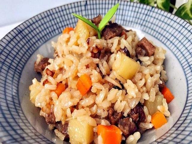 下班回家,米飯這樣做,一頓簡單美味的晚飯就輕鬆解決了