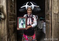 貴州這裡的人每天頭頂4公斤頭髮,未婚女子可在葬禮上尋意中人