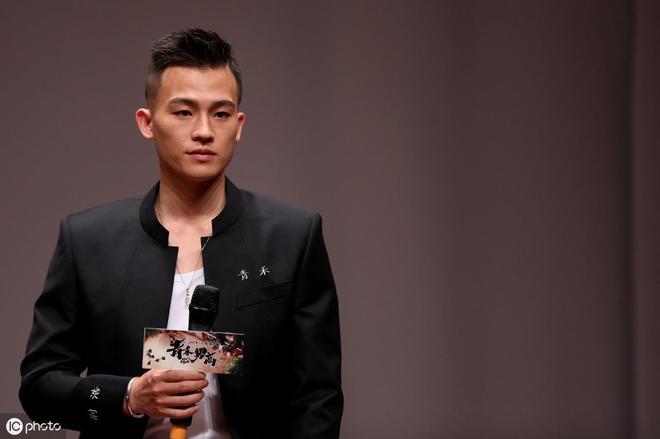 """他被戲稱為""""男版景甜"""",將打敗陳翔、華晨宇成為天娛一哥"""
