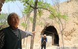"""山西85歲老夫妻守在""""仙人洞""""裡,吃野菜喝燒酒,看看生活是啥樣"""