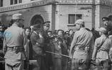 老照片:1945年抗戰勝利後的上海,百姓臉上終於露出了久違的笑容