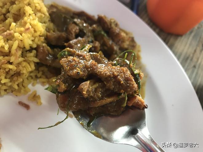 帶著媳婦在曼谷吃頓午餐,兩款美食100泰銖,大家覺得划算不?