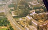 老照片:上世紀70年代的德國東柏林,高樓林立車流不息
