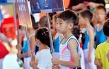 體操全能楊威命名的楊威盃賽場,楊陽洋領銜出戰,動作有模有樣!