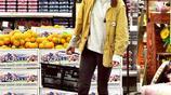 克里斯汀逛超市,不戴口罩不帶助理,真是一個低調的大明星
