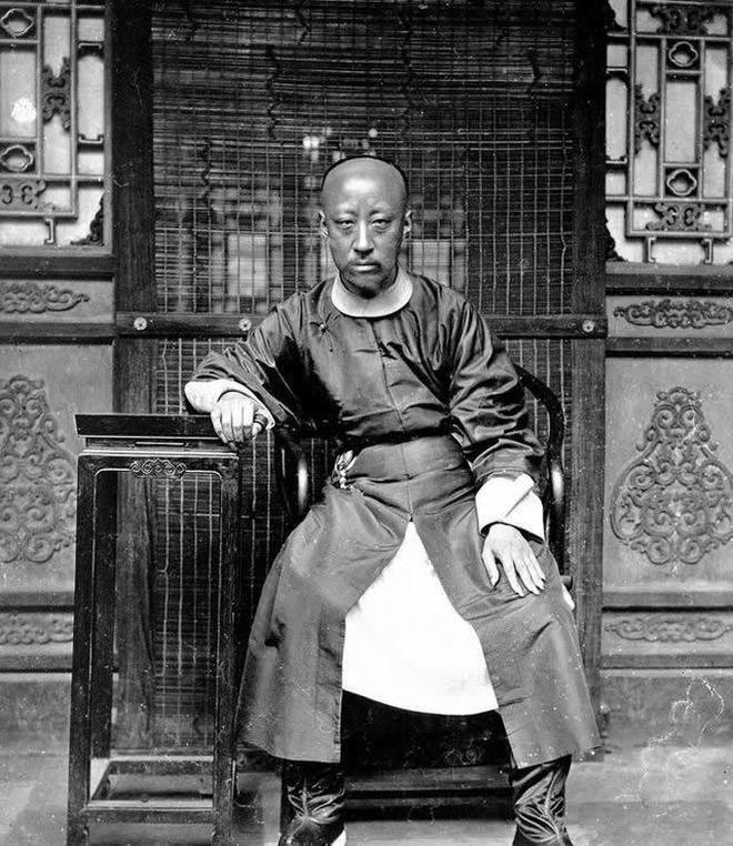 恭親王奕訢:從年輕到晚年的照片,最開始躊躇滿志到雙眼充滿絕望