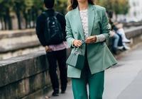 她靠獨特的穿衣風格成為巴黎最火博主
