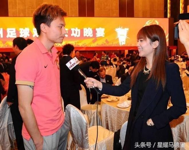 因中國足球走紅的美女記者 她因採訪時被范志毅抓玉手3分鐘爆紅