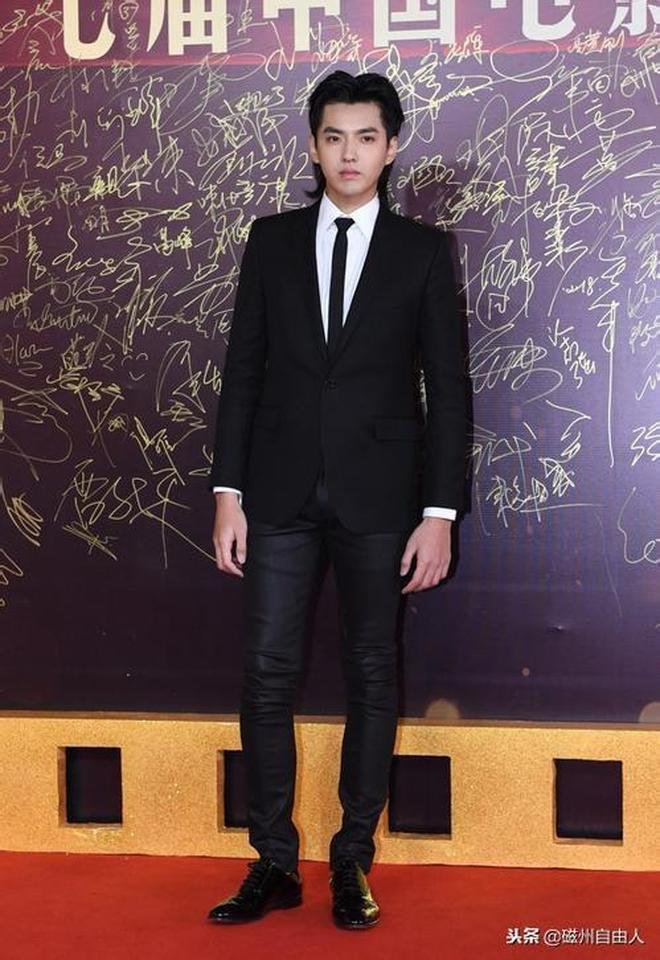 吳亦凡長相帥氣,身高187,體重146堪比模特身材,網友:僅此而已