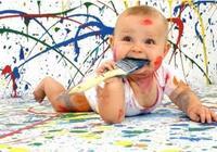 嬰幼兒吃手與敏感期