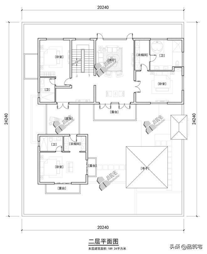 不同於白牆黛瓦的兩層新中式小別院,圍合式庭院小空間有大舒適