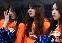 CBA半決賽,遼寧隊輸球后,美女拉拉隊哭花了妝容,對此你怎麼看?
