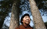 """放棄住城裡兒子的房子,75歲老人搬到深山隱居,原因讓人""""敬佩"""""""