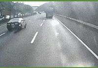 在高速上車輪爆胎,兩驅和四驅會有區別嗎?