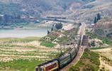 我國最長高鐵線路即將建成,全線80個站點,網友:一天體驗四季