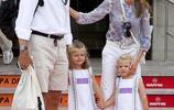 王室最美姐妹花是怎麼煉成的?除了高顏值 還要有個會打扮的媽