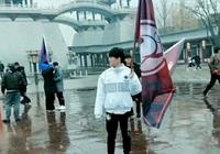 LPL三支隊伍做活動:阿水扛旗凍成狗,同為RNG扛旗的他被網友心疼