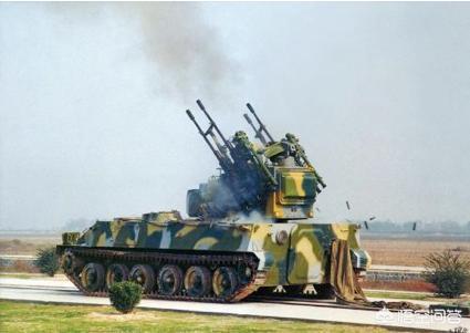 高射炮在軍事上是如何攻擊在高空飛行的戰鬥機的?