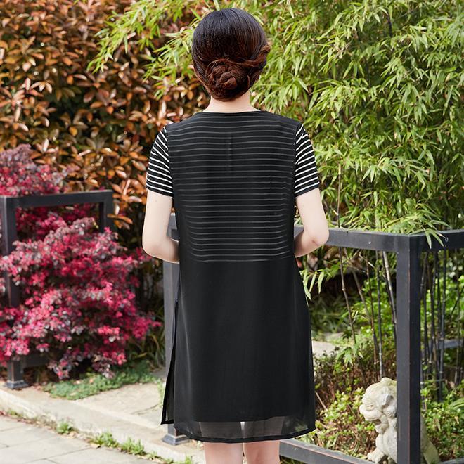 夏天穿夠了T恤,奔4女人首選優雅連衣裙,穿出年輕好氣質