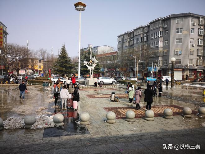 實拍陝西最東邊的火車站,站臺上站滿了即將前往西安的旅客