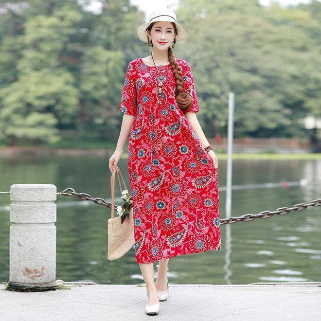 瞧下圖這樣穿連衣裙,遮小肚子不說,巨顯瘦!優雅連衣裙就是它