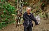讓人心酸落淚無奈,農村老人10張圖,直擊農村老人的晚年生活