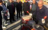 山西一位老人很會生活 自己研究出一個人的鑼鼓隊 天天玩成了網紅
