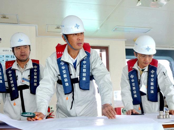 港珠澳大橋總工程師林鳴 工程開工前和完工後照片對比
