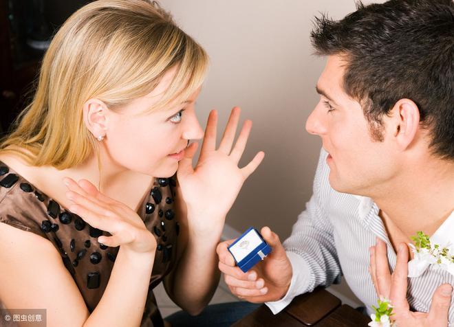 訂婚後分了手,8.3萬彩禮卻要不回來,女方父親:你去告吧!