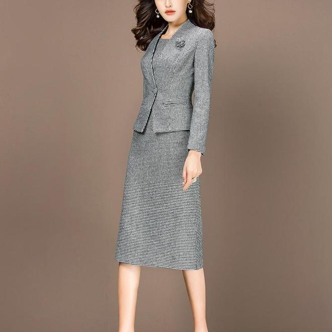女人不是穿短裙才性感的呢,瞧下圖女人的打扮,性感有魅力
