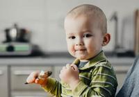 孩子睡覺前別吃這幾種食物,影響智力還不長個兒,趕緊扒拉下菜譜