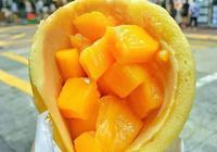 塞滿了大塊芒果的pancake