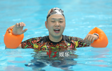 魏大勳杜海濤《香蕉打卡》泳池激戰 魏大勳秀身材