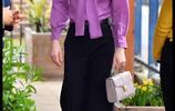 凱特王妃訪問兒童中心,黑色高腰闊腿褲顯腿長,年輕時尚形象端莊