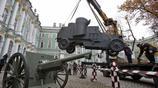 俄羅斯在博物館重新組裝了一加老式大炮,搞個裝甲車想表達什麼呢