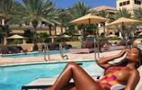 歐美女星海灘日光浴,這膚色怎麼晒也不怕黑!