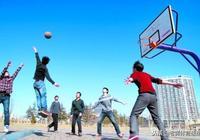 籃球場上的無球跑位基本功,你都瞭解嗎?2個重點教給你