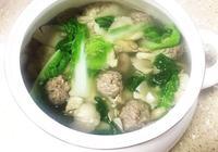 青菜平菇丸子湯的做法