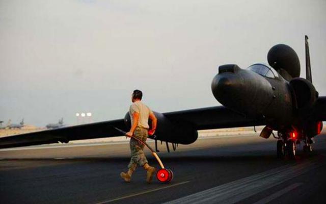 U-2偵察機的奇特之處,起飛後起落架要扔掉