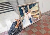 張家輝關詠荷婚紗照流落街頭當垃圾 經紀人稱是舊廣告