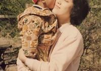 黃子韜的媽媽上熱搜!黃子韜和媽媽長相一模一樣,遺傳基因讓人服
