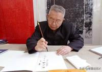 45歲拜師學書法,3次被拒,58歲時6萬字楷書折服書協主席