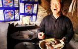 地坑院採風遇到74歲老人,他說紅薯保存的祕密,勾起兒時美好記憶