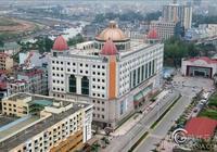 中國東興-越南芒街跨境自駕遊全面開放 過境團1輛汽車也能通行