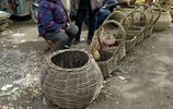 臨沂農村集市上的手工藝品,都是大爺大媽手工製作