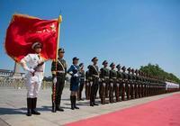為何中國儀仗兵身高必須高於1.8m?