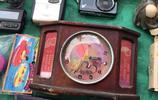 """曼谷舊貨市場寶貝真不少!80泰銖買本1988年""""牛仔街""""掛曆,值!"""